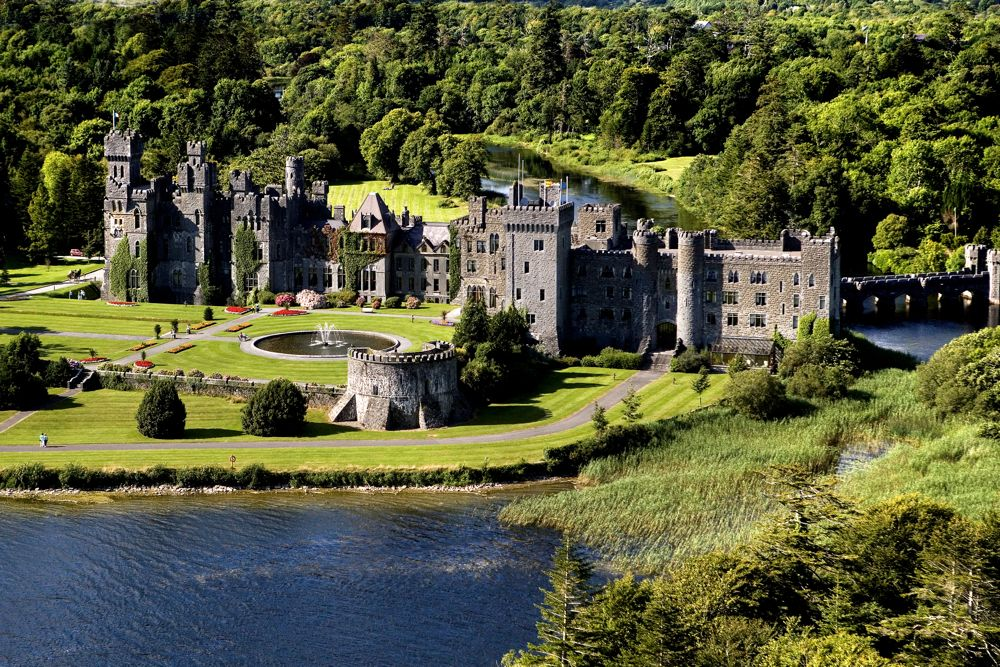 Ashford Castle Offers Two New Wedding Programs