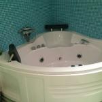 Sweet jacuzzi tub!